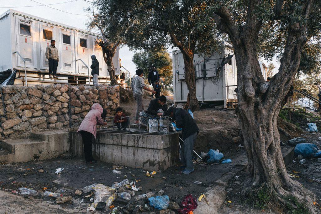 Morgenhygiene im Camp Moria, Lesvos; März 2020; © Jojo Schulmeister